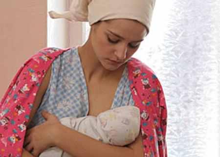 Тарханова Глафира с новорожденным в роддоме